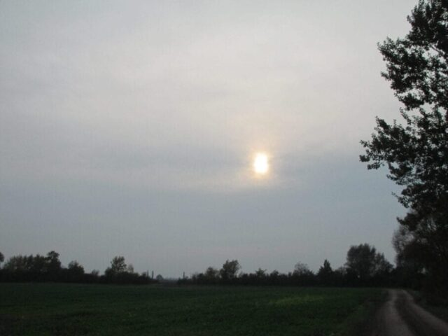 Oblaky Altostratus (As).
